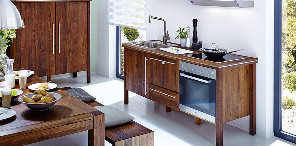 annex: klassische Teewood Massivholzküche