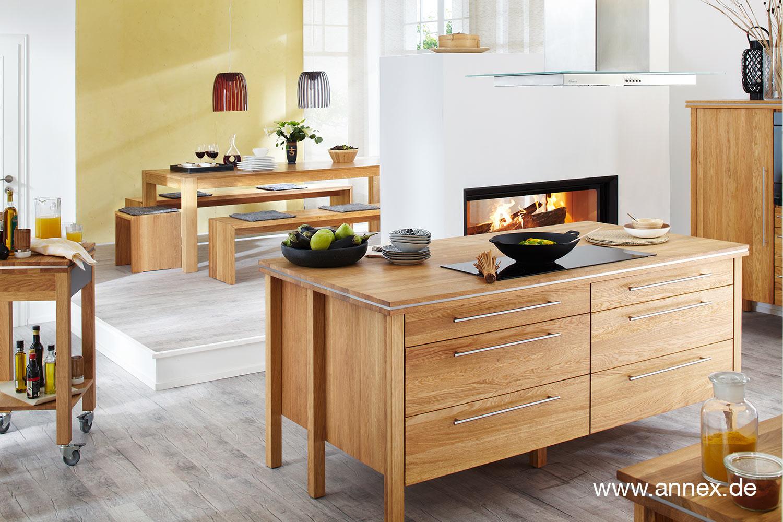 annex: Modulküche mit Kochinsel aus Massivholz
