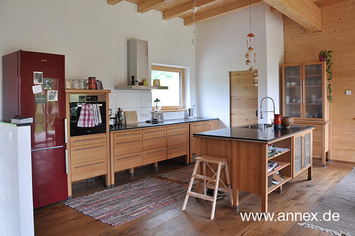 annex Holzküche aus Buche in Tirol